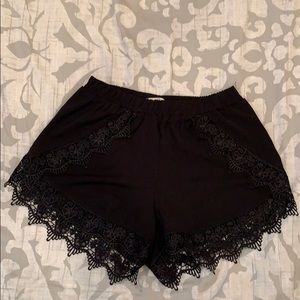 Mika and Gala shorts with crochet trim